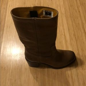Barely worn Frye boots